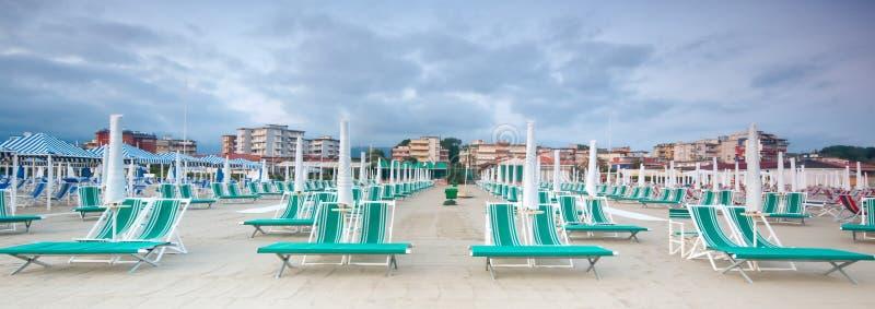 Le panorama de la plage, Italie photo stock
