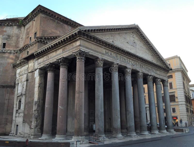 Le Panthéon est un ancien temple romain, maintenant une église, à Rome, l'Italie, photos libres de droits