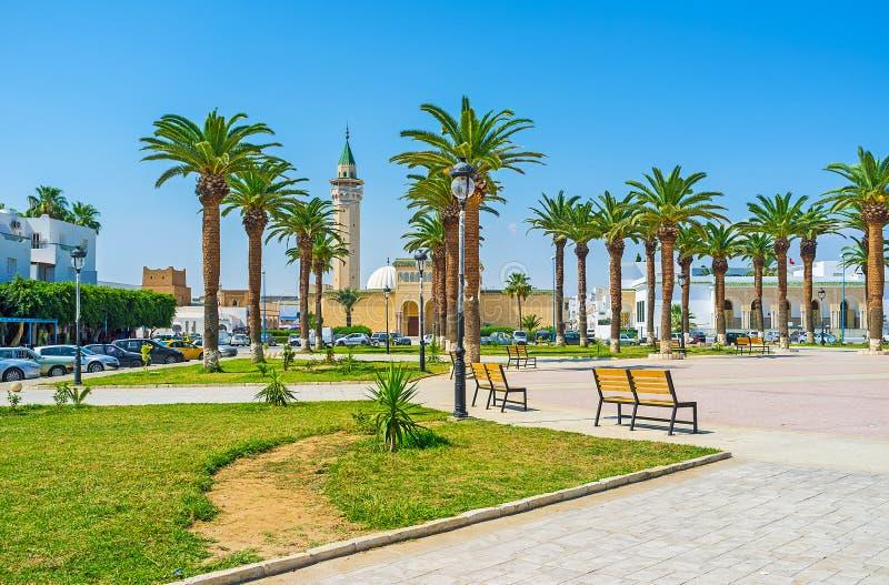 Le parc avec des paumes dans Monastir photos stock