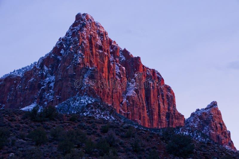 Download Le Parc National De Gardien-Zion Photo stock - Image du national, capot: 45362884