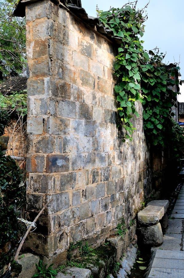 Le pareti esterne del vecchio fotografia stock libera da diritti
