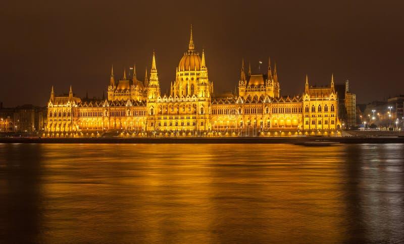 Le Parlement de Budapest la nuit, Hongrie photographie stock