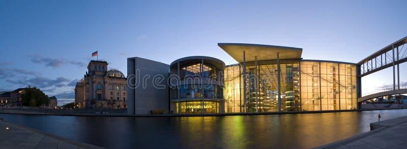 Le Parlement et reichstag de Berlin photographie stock libre de droits