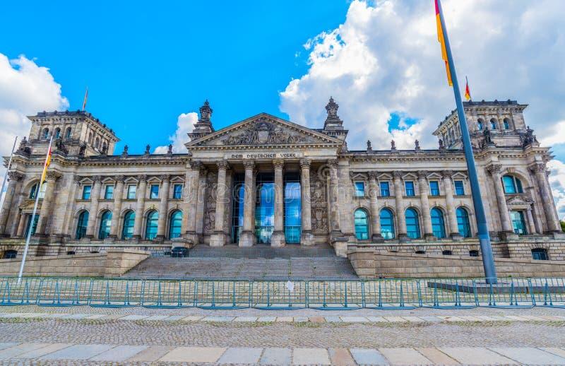 Le parlement ou bâtiment allemand de Reichstag à Berlin, Allemagne photos libres de droits