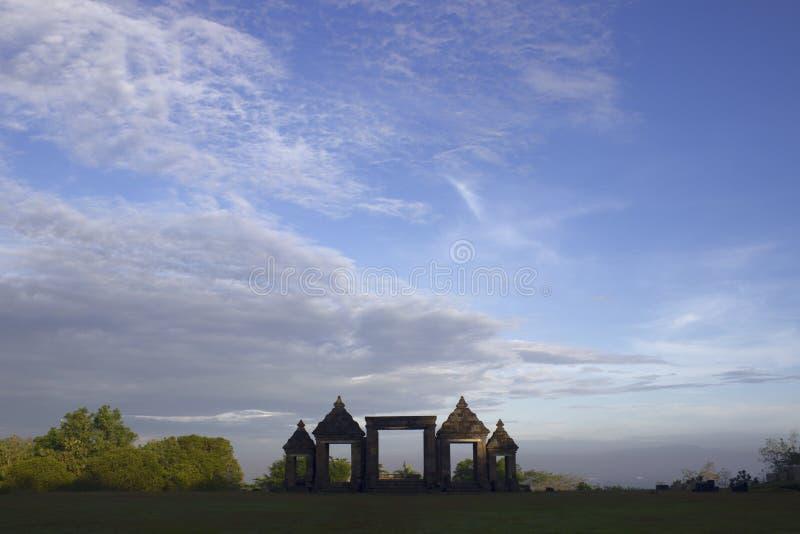 Le passage au temple de Ratu Boko dans Java images stock