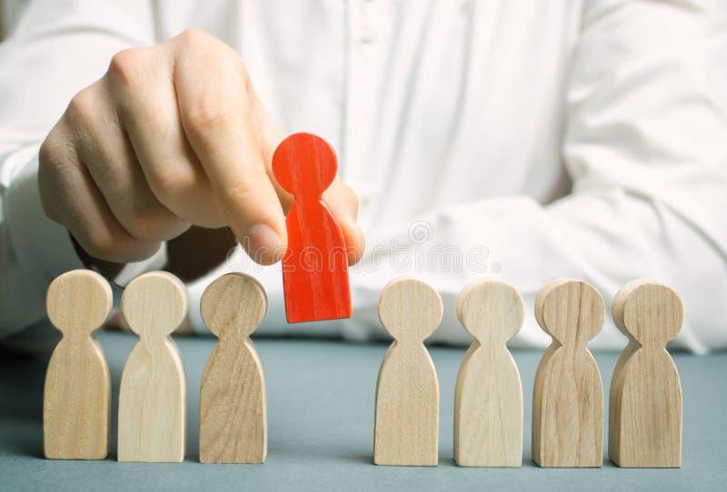 Le patron écarte l'employé de l'équipe Gestion du personnel Mauvais travailleur dégradation Le concept de trouver des personnes e image stock