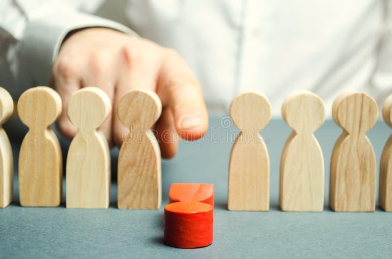 Le patron écarte l'employé de l'équipe Gestion du personnel Mauvais travailleur dégradation Point faible Concept de gestion d'équ images stock