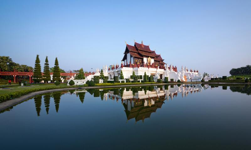 Le pavillon royal Ho Kham Luang en parc royal photos stock