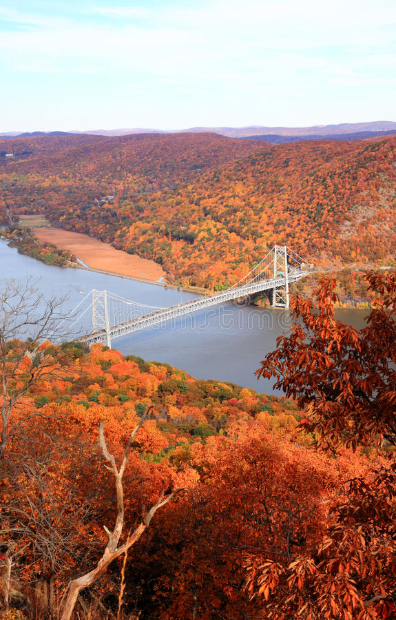 Le paysage de feuillage à la région de fleuve de Hudson images stock