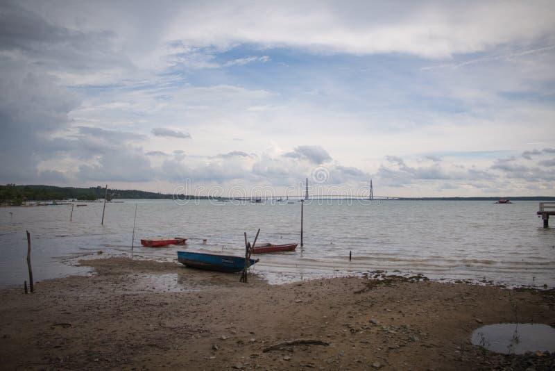 Le paysage de mer et de bateau image stock