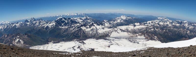 Le paysage passionnant des environs d'Elbrus image libre de droits