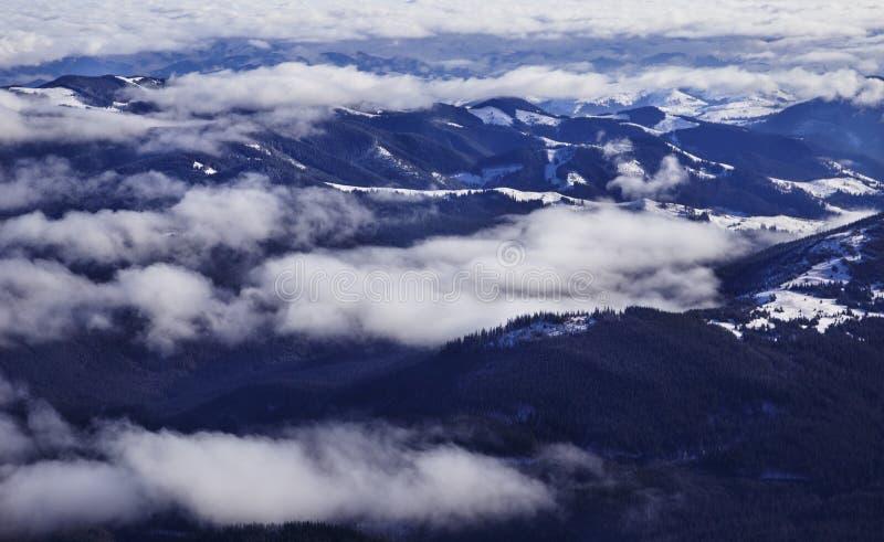 Le paysage passionnant des environs de Hoverla Montagnes carpathiennes ukrainiennes images libres de droits