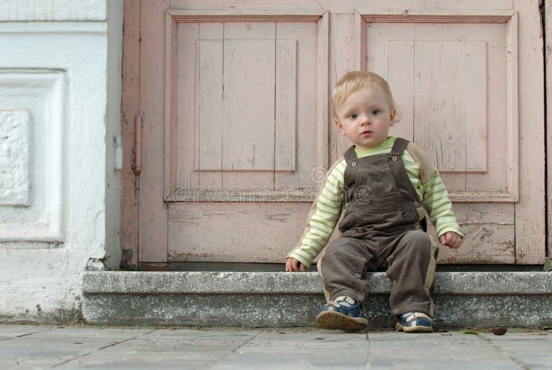 Le petit garçon photographie stock