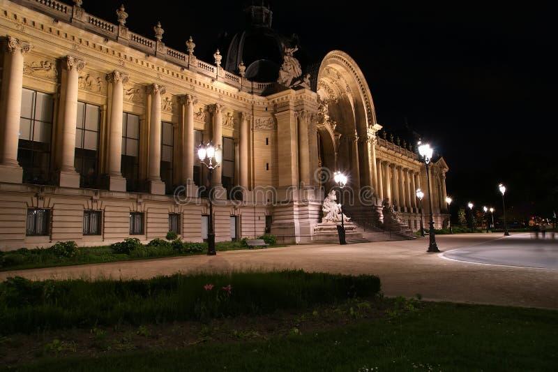 Le Petit Palais (petit palais) est un musée à Paris, France images libres de droits