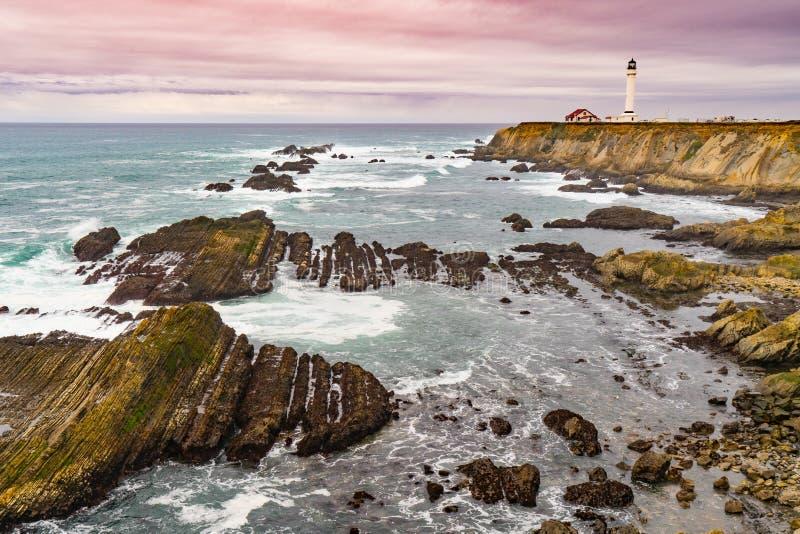 Le phare d'arène de point loacated environ 130 milles au nord de San photo stock