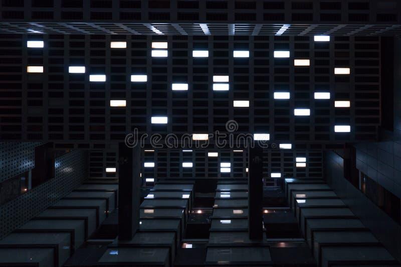 Le phare dans la d?cellulation Sens de film de science-fiction images stock
