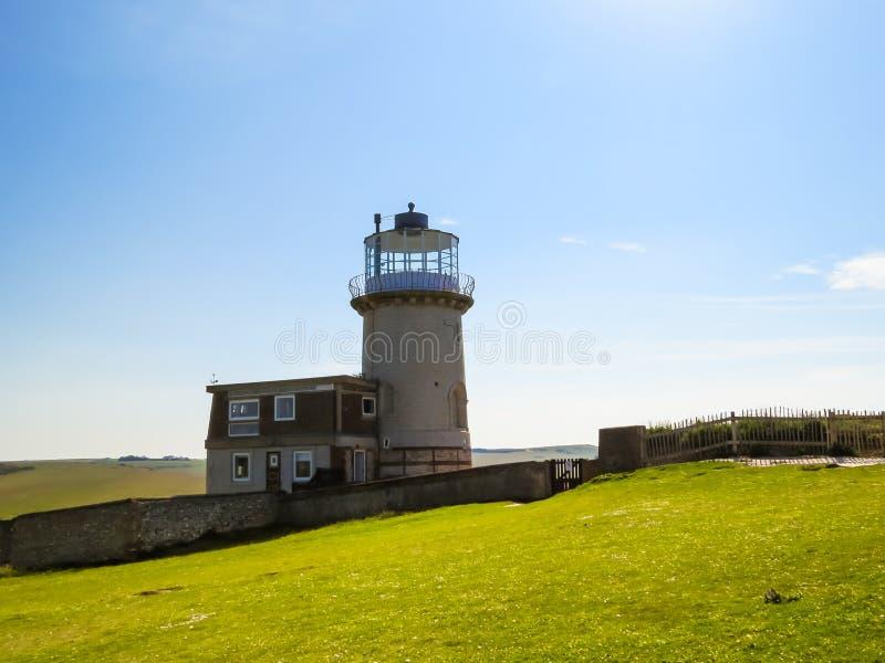 Le phare de Belle Tout sur le cap Bévésiers, Eastbourne photos stock
