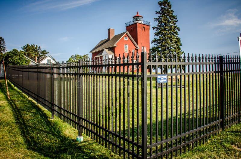 Le phare de deux ports est le phare le plus ancien de Minnesotas et donne sur la baie d'agate photographie stock libre de droits