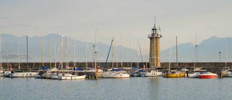 Le phare, port de Desenzano image stock