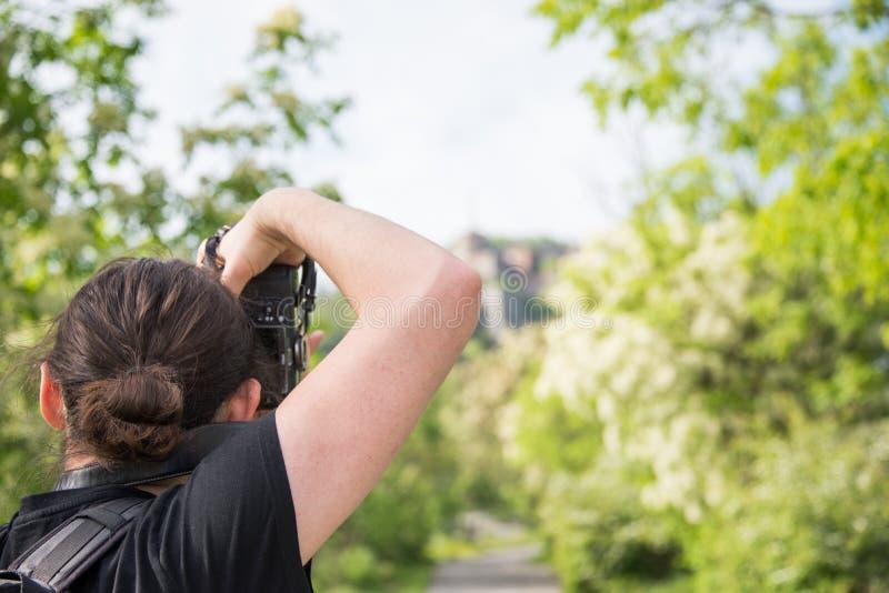 Le photographe prend une photo de forte Sperone image stock