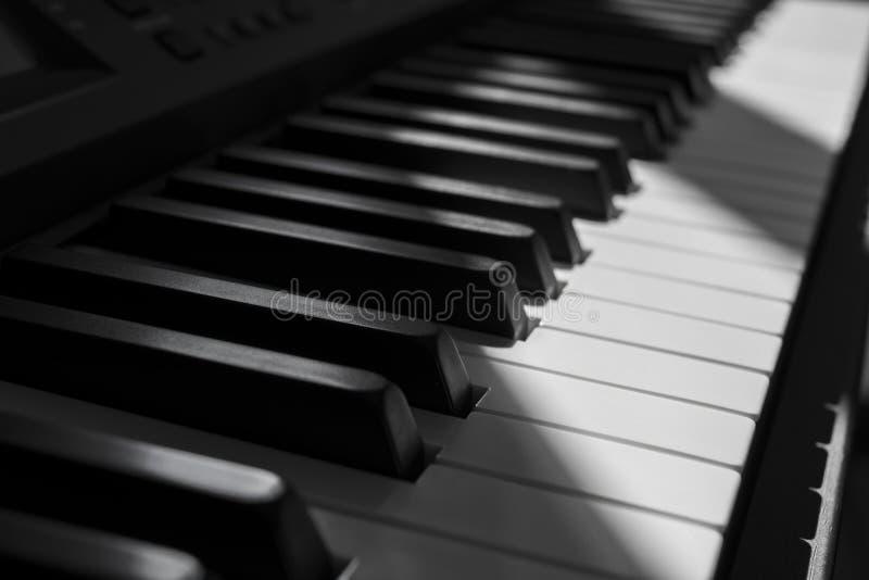 Le piano photos libres de droits