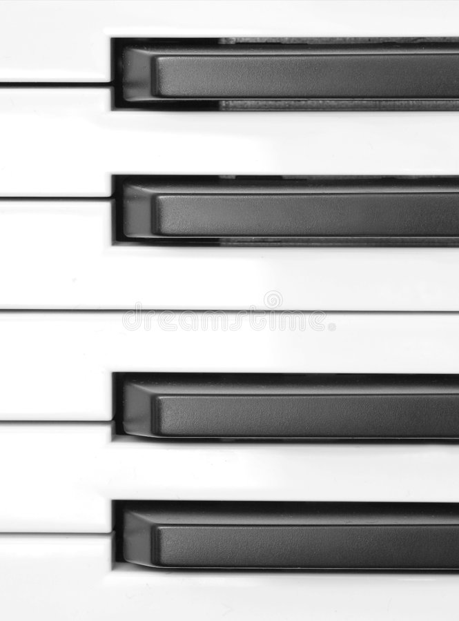 Le piano introduit l'instruction-macro
