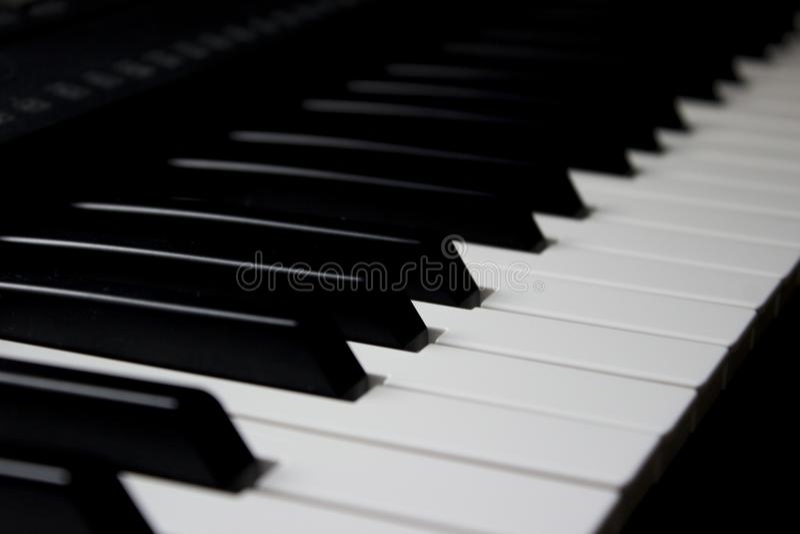 Le piano verrouille le tir diagonal photographie stock