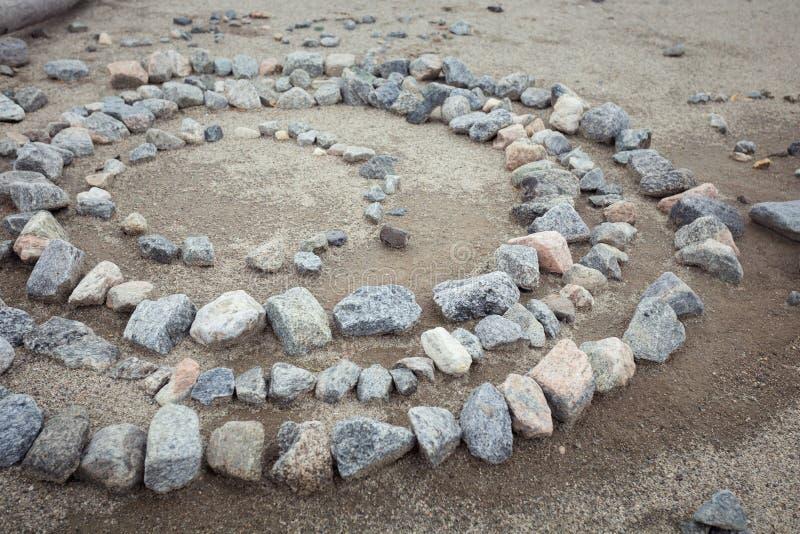 Le pietre grige sono in un cerchio immagini stock libere da diritti