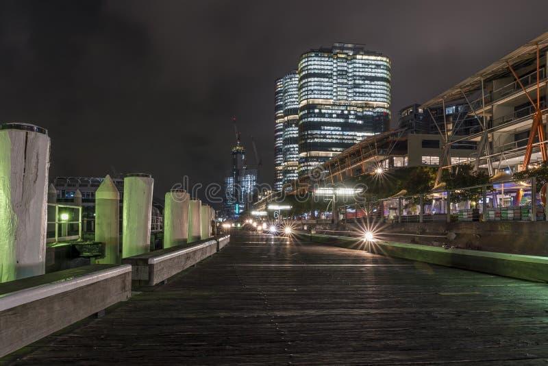 Le pilier célèbre de Darling Harbor, Sydney, Australie, la nuit sans personnes photo stock