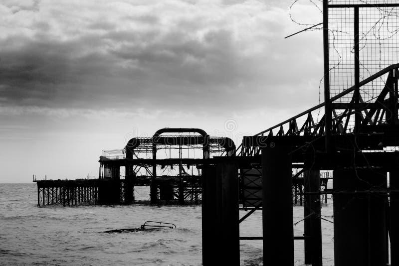 le pilier de Brighton reste occidental image stock