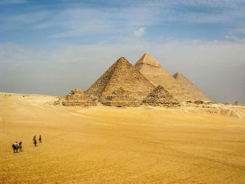 Le piramidi di Giza, Il Cairo, Egitto fotografia stock libera da diritti