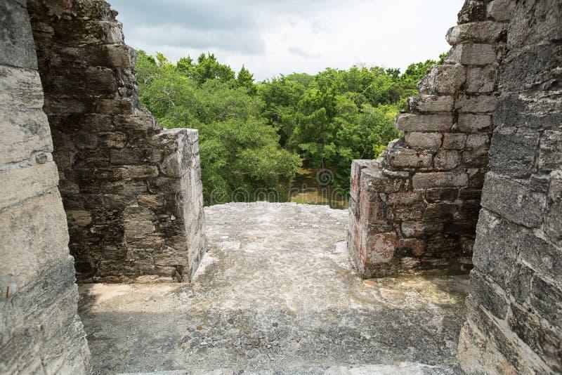 Le plan rapproché architectural de détail chez le Becan ruine le Mexique photos stock