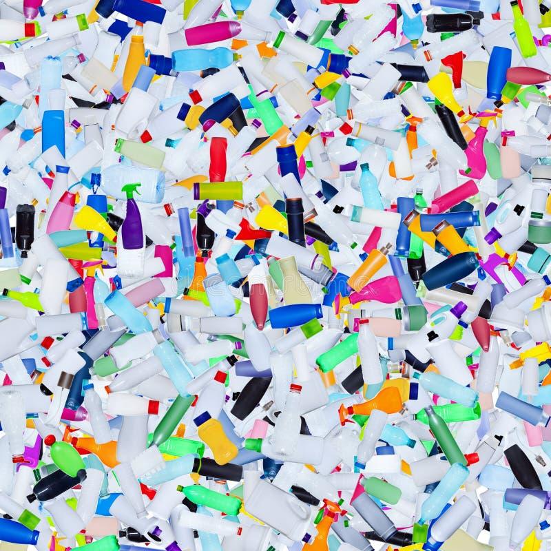Le plastique met des déchets en bouteille - fond image libre de droits