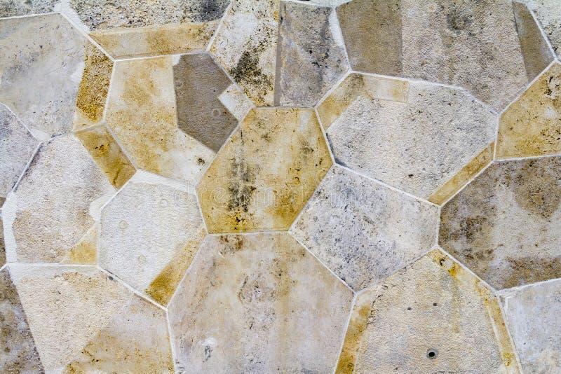 Le plein cadre a divisé en lots le mur en pierre image libre de droits