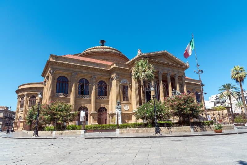 le plus grand Massimo Palerme théâtre de teatro de l'Italie photos stock