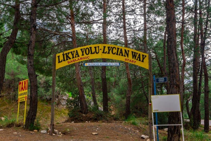 Le point de début de manière de Lycian Fethiye, Turquie Itinéraire de trekking de la Turquie course de agrandissement en verre de images libres de droits