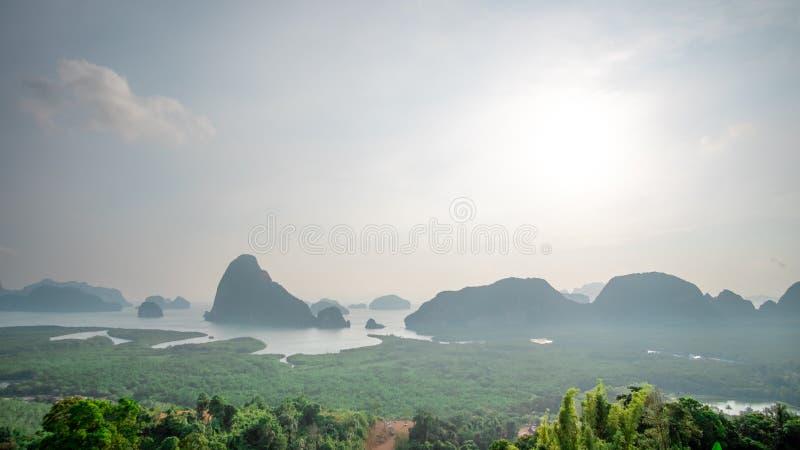 Le point de vue Samed Nang Hee est situé dans la région du sud de la Thaïlande et a la nature parfaite à voyager des vacances pou images libres de droits