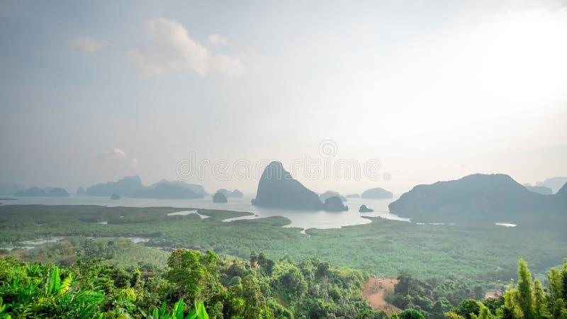 Le point de vue Samed Nang Hee est situé dans la région du sud de la Thaïlande et a la nature parfaite à voyager des vacances pou images stock