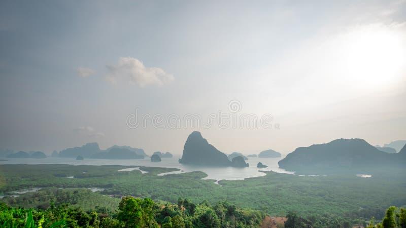 Le point de vue Samed Nang Hee est situé dans la région du sud de la Thaïlande et a la nature parfaite à voyager des vacances pou photographie stock