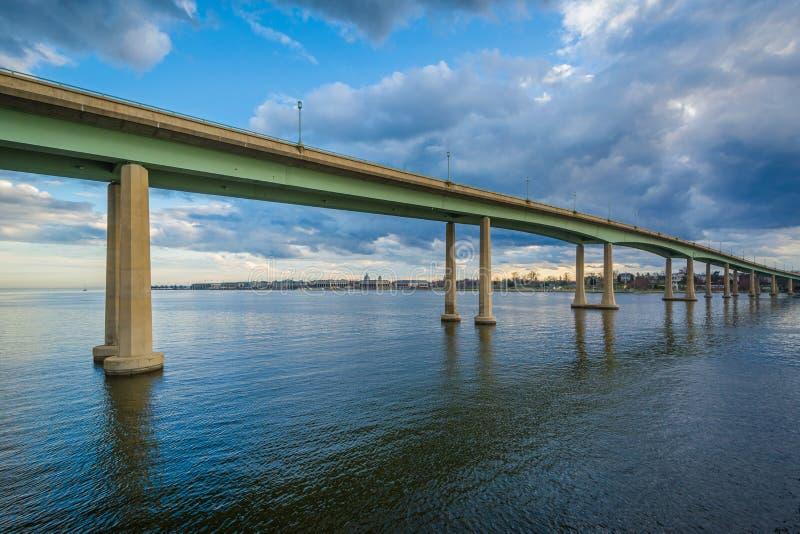 Le pont d'Académie Navale au-dessus de Severn River, à Annapolis, le Maryland image stock
