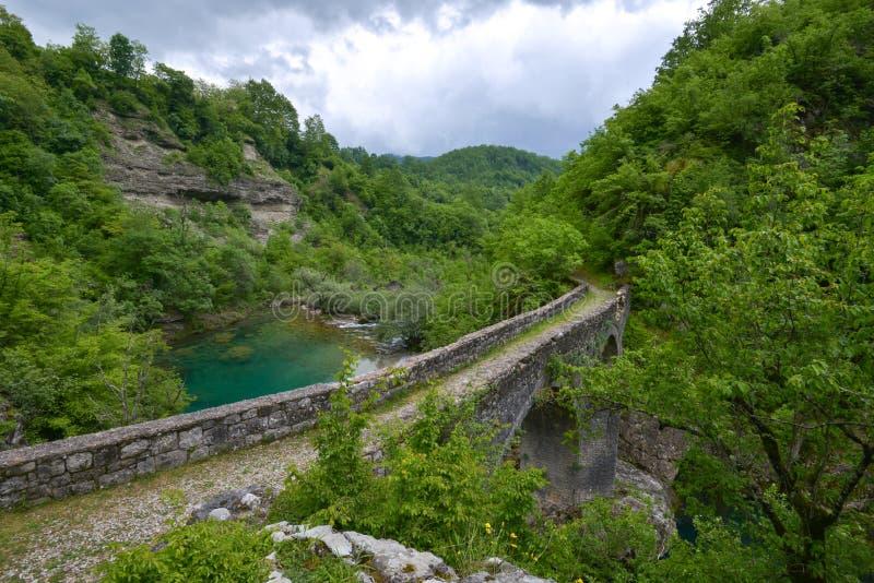 Le pont de Danilo au-dessus de la rivière de Mrtvica, Monténégro image libre de droits
