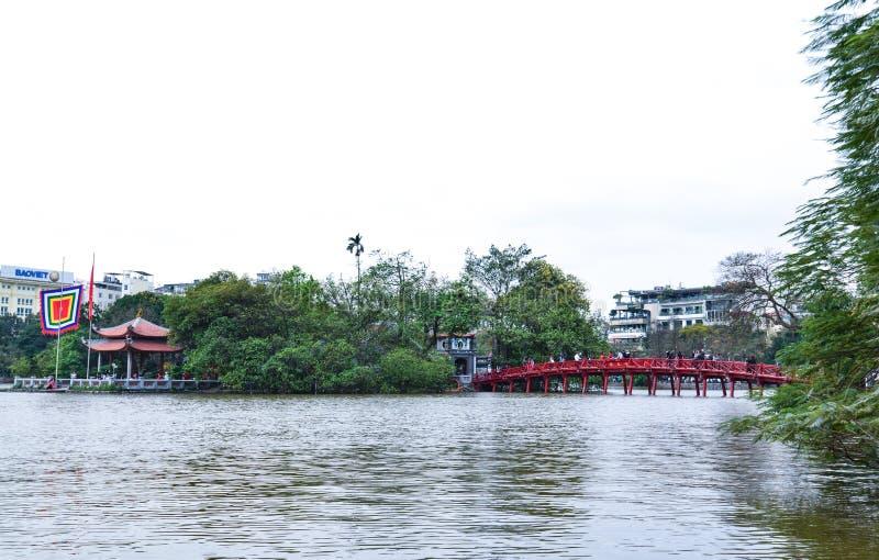Le pont de Huc, lac de kiem de Hoan, Hanoï, Vietnam photos stock
