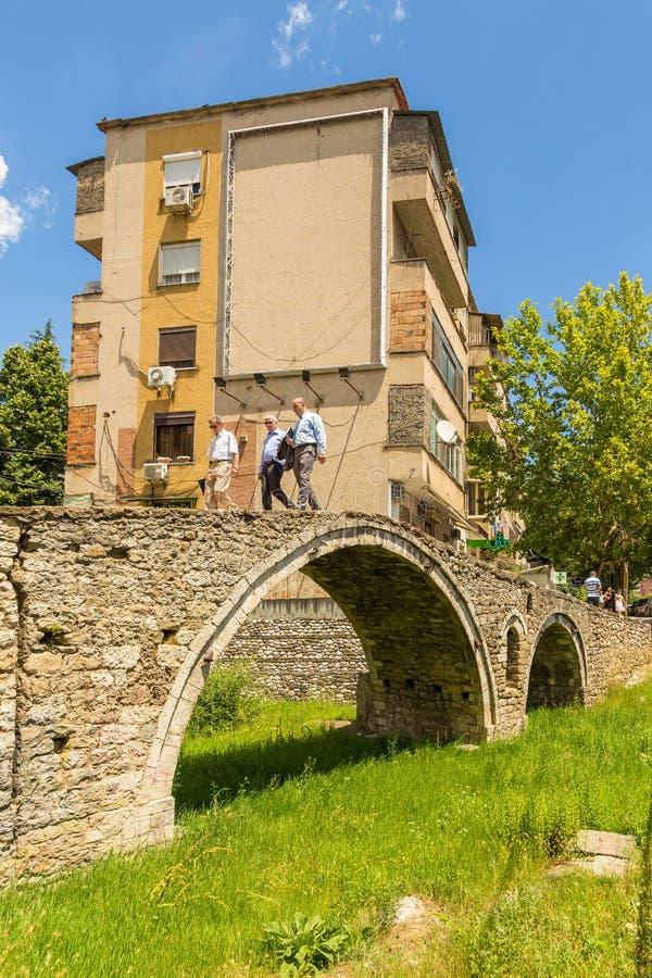 Le pont des tanneurs, ou pont de Tabak, un pont de voûte de pierre de tabouret à Tirana, Albanie photo stock