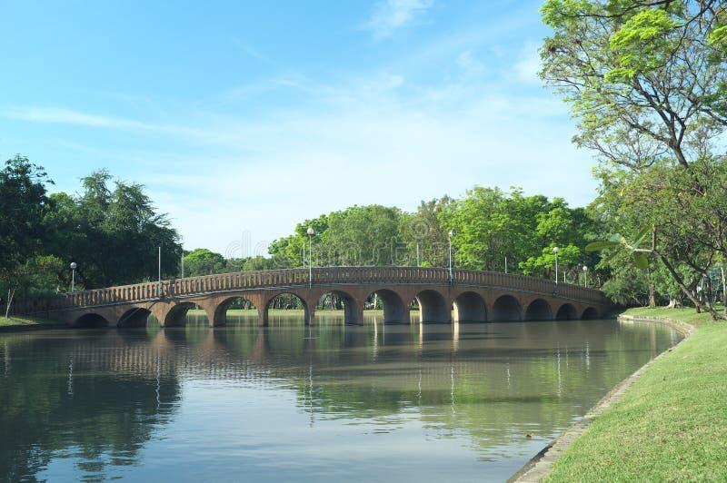 Le pont du parc de chatuchak image libre de droits