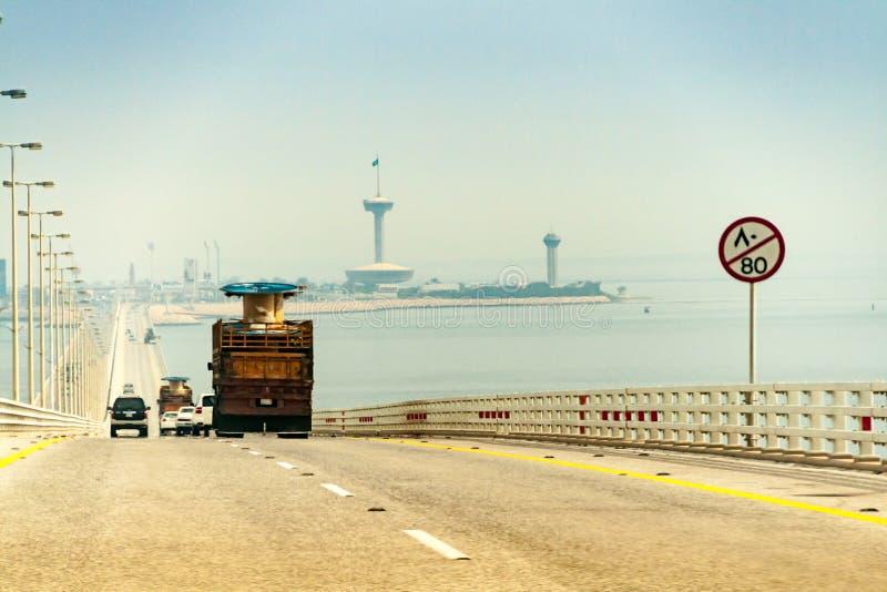 Le pont du Roi Fahd Causeway entre l'Arabie Saoudite et le Bahrain photographie stock libre de droits