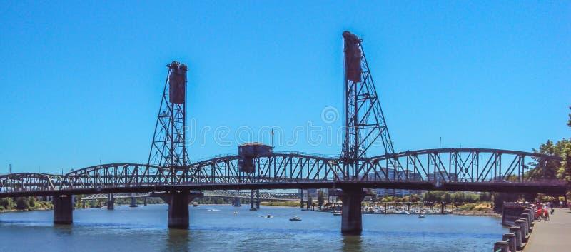 Le pont en acier à Portland, Orégon photos stock