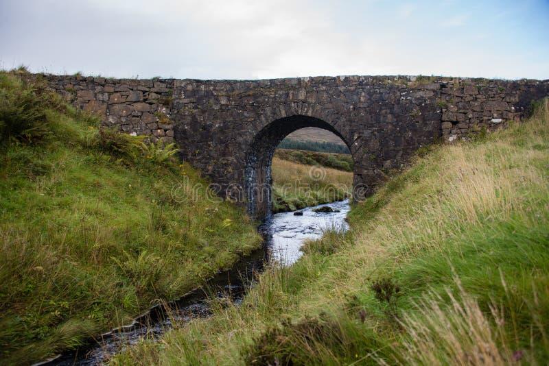 Le pont féerique près de Dunvegan, Skye photo libre de droits