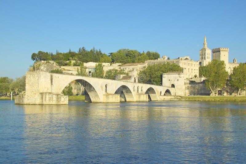 Le Pont St Benezet et palais des papes et du Rhône, Avignon, France image libre de droits