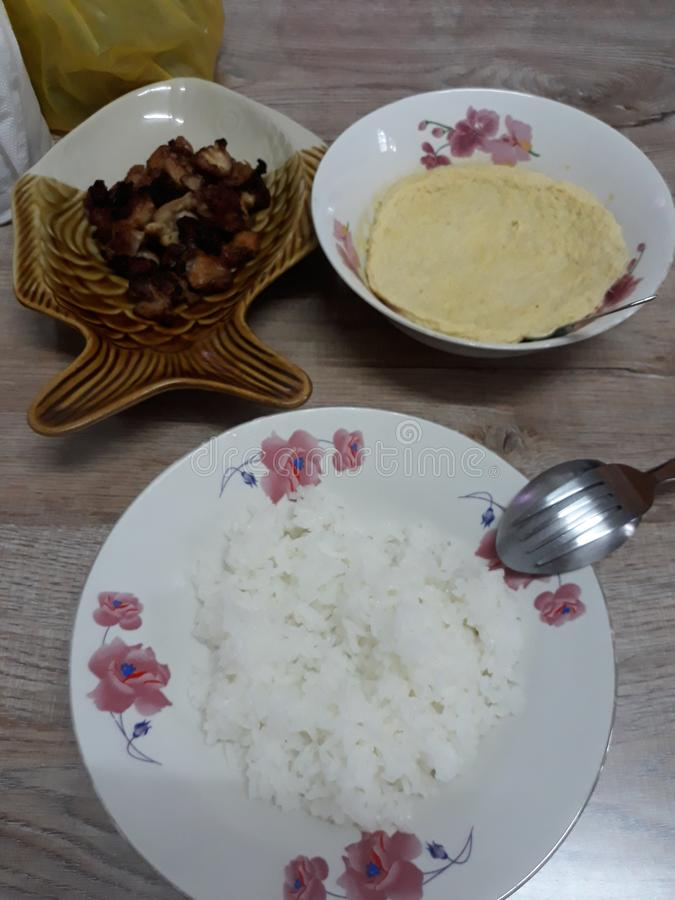 Le porc de riz blanc a fait frire photographie stock