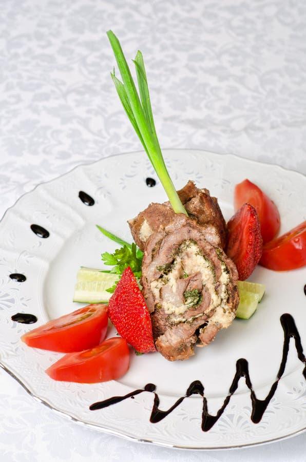 Le porc roule avec des légumes image stock
